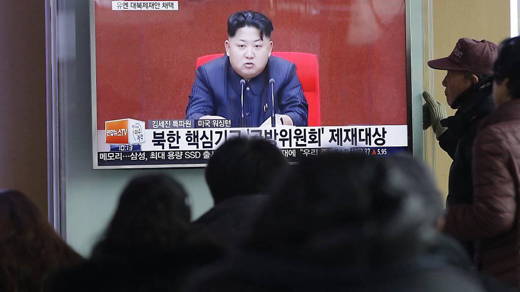 Spricht von präventivem Atomschlag: Nordkoreas Führer Kim Jong Un rasselt mit dem Säbel.