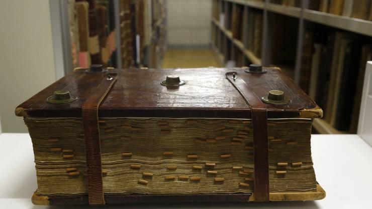 In der Zentralbibliothek Solothurn sind lauter Trouvaillen dabei: Hier eine Historienbibel.