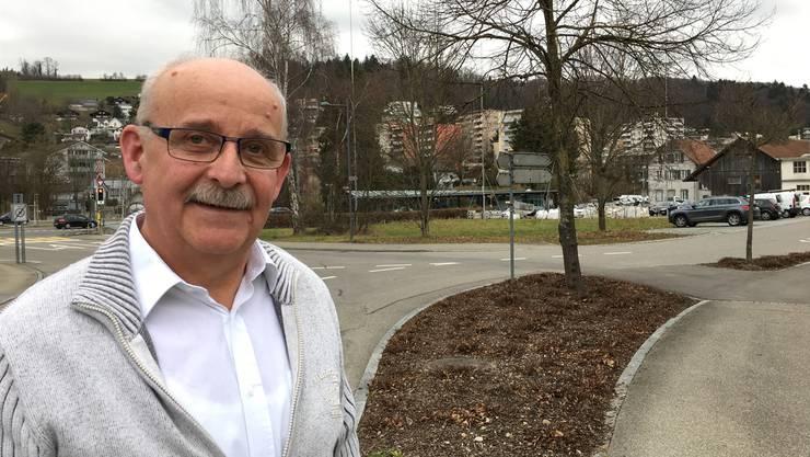 «Vor vielen Aufgaben»: Gemeindeammann Josef Brem, Rudolfstetten-Friedlisberg (hinten das Planungsgebiet Bahnhof).