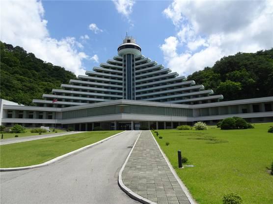 Ein Fünf-Sterne-Hotel im Myohyang-Gebirge – und nur zwei Gäste. Klaus Zaugg