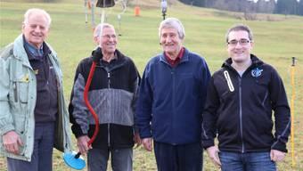 Warten auf den Schnee: Die Skilift-Mitbegründer Gerhard Schreiber, Kurt Schreiber und Paul Hasler mit Vereinspräsident Christoph Schreiber (v.l.). Thomas Wehrli