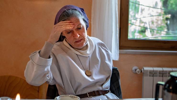 Ordensschwester Christina Färber hilft Blutracheopfern seit 20 Jahren.