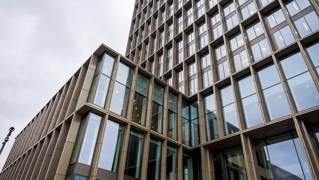 Der Sitz der Europäischen Arzneimittel-Agentur EMA in Amsterdam. Sie prüft unter anderem die Zulassungsanträge für die Corona-Impfstoffe. Foto: Lex van Lieshout/ANP/dpa