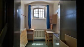Eine Zelle in der Justizvollzugsanstalt Lenzburg: Dort sitzt auch der Dirnenmörder Tobi B.