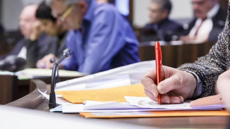 Der dringliche Auftrag «KMU entlasten – Arbeitsplätze durch COVID19-Rückstellungsmöglichkeiten sichern» will den KMU nachträgliche Rückstellungen ermöglichen. (Symbolbild)
