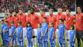 Singen die Schweizer Fussballstars bald eine andere Landeshymne? Vorschläge sind genügend eingegangen.