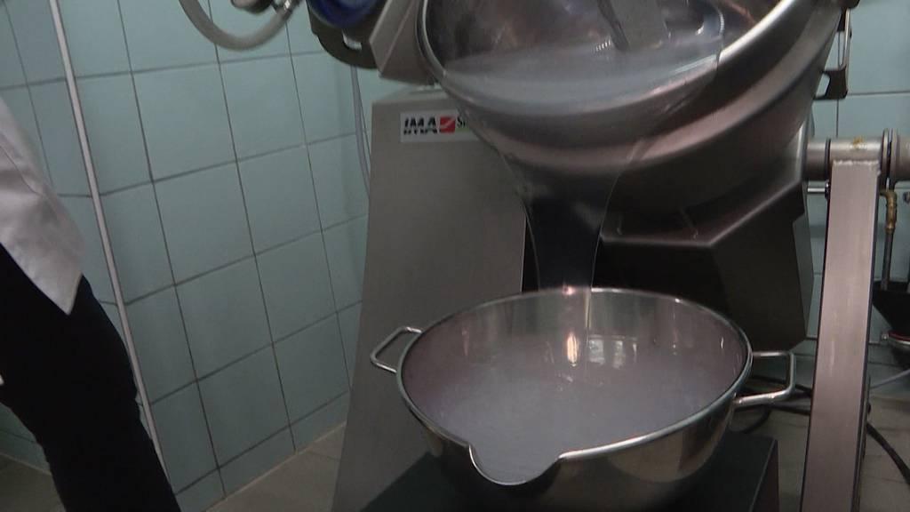 Desinfektionsmittel-Knappheit: Zürcher Apotheker produziert Nachschub