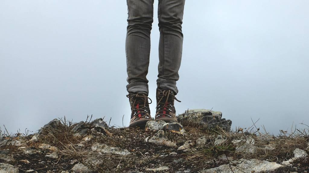 Frau stürzt auf Bergtour 200 Meter in den Tod