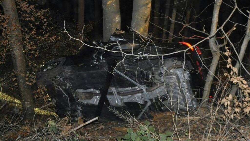 Zwei junge Männer bei schwerem Selbstunfall in Dornach SO getötet