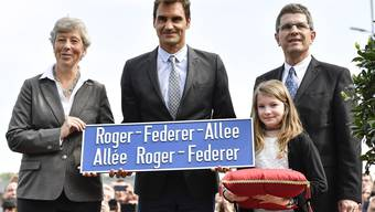 Roger Federer weiht in Biel seine Allee ein