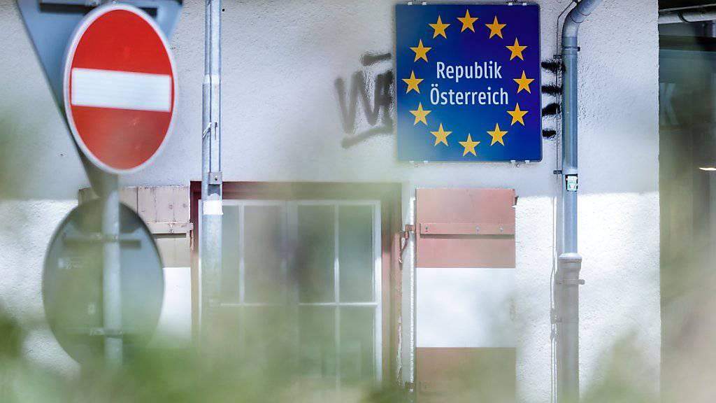 Gleiche Politik, andere Begründung: Deutschland hält an den Kontrollen an ihrer Grenze zu Österreich fest - wegen der herrschenden Terrorgefahr, sagt Berlin nun. (Themenbild)