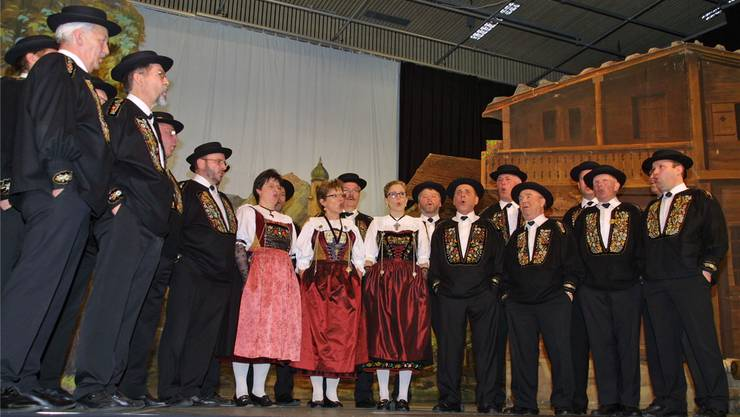 Buntes Gesangsbouquet des Jodlerklubs Heimelig.
