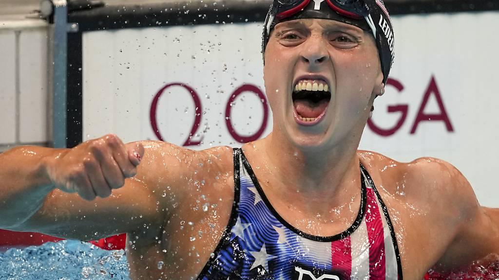 Erleichterung pur bei Katie Ledecky: Die 24-jährige Amerikanerin gewinnt über 800 m Crawl und ist nun siebenfache Olympiasiegerin