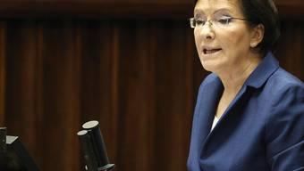 Ewa Kopacz vor der Vertrauensabstimmung im Parlament