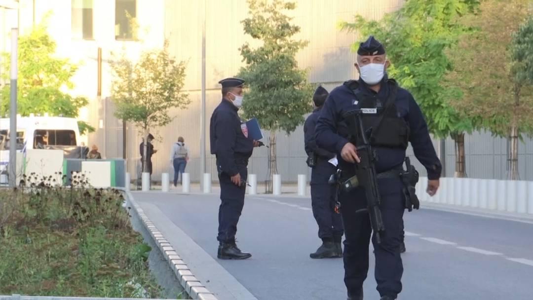 """Attentat auf """"Charlie Hebdo"""" - 14 Terrorunterstützer vor Gericht"""