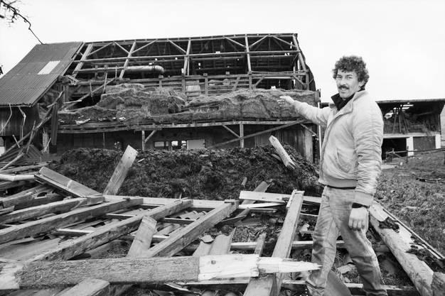 In Wangen (SZ) zerstörte Vivian den Stall dieses Bauers.