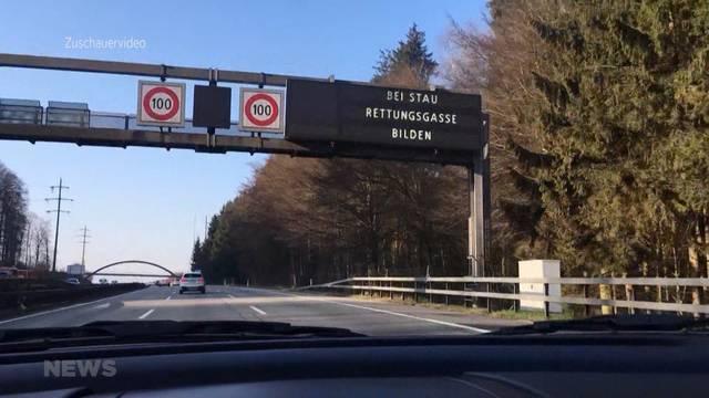Autobahn-Anzeigetafeln geben Autofahrern nun Tipps