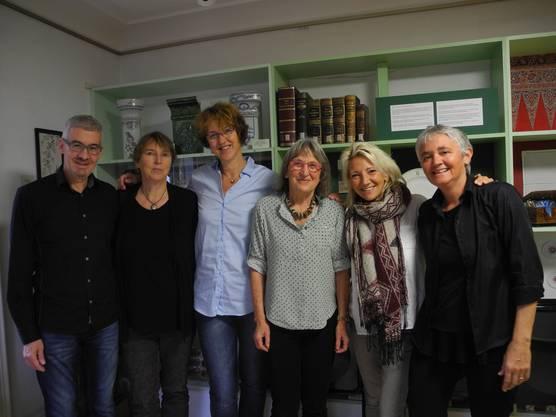 Daniel Ament, Helene Arnet, Elisabeth Rebmann, Regula Stauber, Sonja Laughton und Simone Neff (von links) organisieren die Treffen «Öises Dietike» im Ortsmuseum.