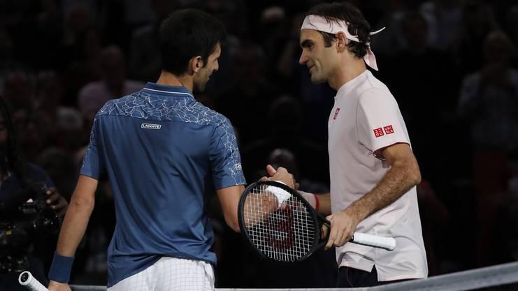 Federer unterliegt Djokovic in Paris.