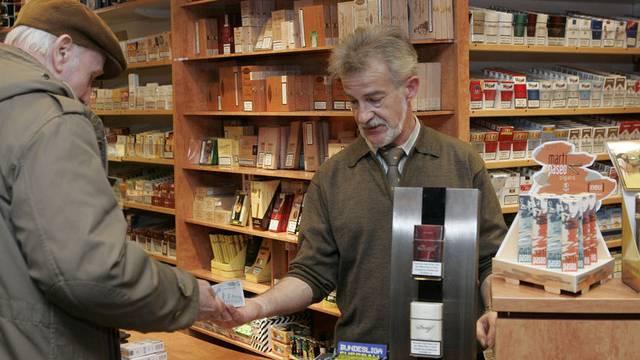 Bei Ess- und Tabakwaren stiegen die Einnahmen im November um 3,1 Prozent (Symbolbild)