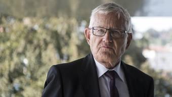 Alt FDP-Bundesrat Kaspar Villiger dementiert weiterhin vehement, von den Spionagemachenschaften ausländischer Staaten rund um die Zuger Firma Crypto AG gewusst zu haben. (Archivbild)