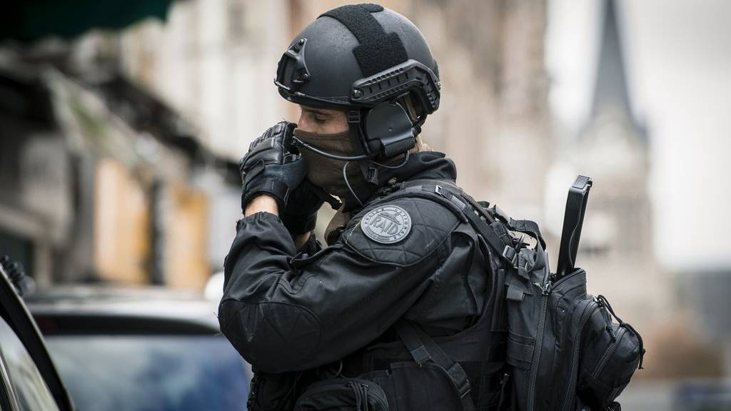 Terror-Ermittler sind IS-Terroristen auf der Spur.