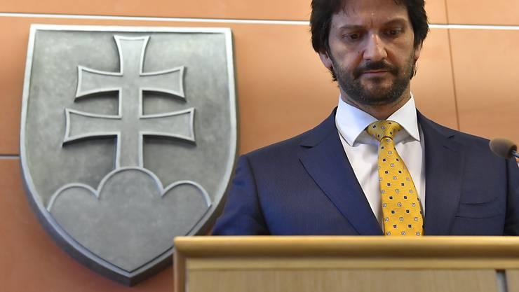 Auch nach dem Rücktritt des slowakischen Innenministers Robert Kalinak bleibt die Regierung unter Druck.