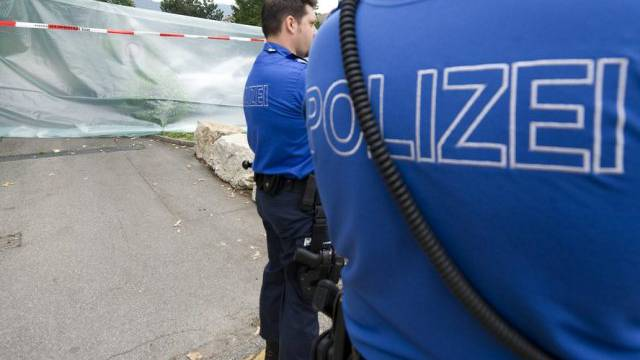 Am Samstag Nachmittag führten Stadt- und Kantonspolizei Solothurn eine Hausdurchsuchung in der Gemeinde Drei Höfe durch. (Symbolbild)