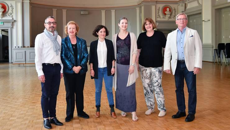 Künstlerischer Beirat plus von links Andreas Egli, Madeleine Schüpfer, Margrit Sengebusch (TOBS), Ulrike Brambeer (Landgraf), Regula Grossen und Herbert Schibler.
