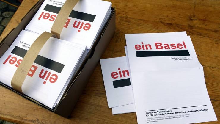 """Die Basler sollen nur über einen längeren Parlamentsumweg über die Volksinitiative """"ein Basel"""" abstimmen können."""