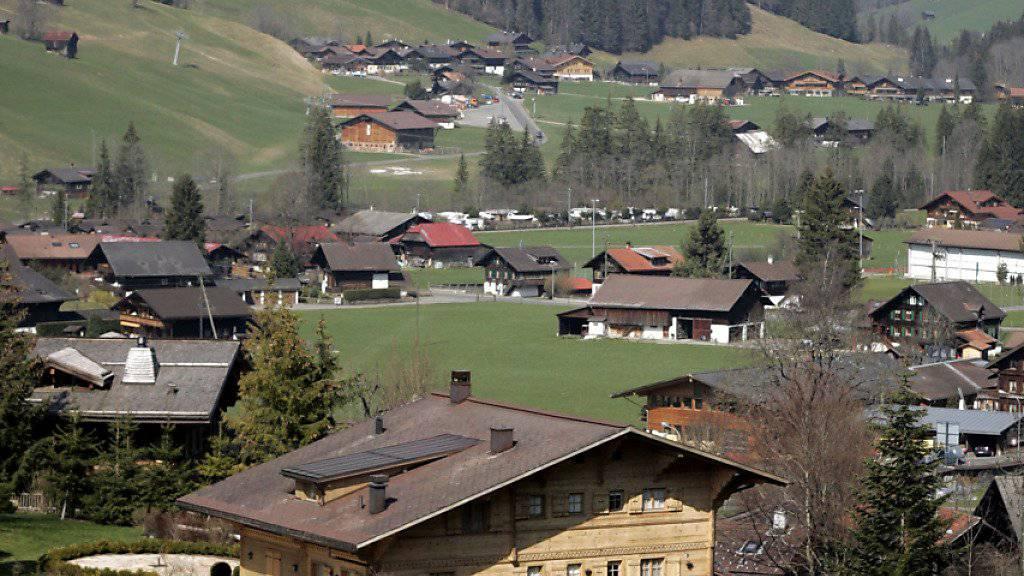 Im Nobelort Gstaad im Berner Oberland leben mehrere Pauschalbesteuerte und Prominente. (Archivbild)