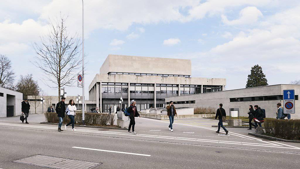 Die Untersuchungen zur Spesenaffäre an der Universität St. Gallen führten zu einer Strafanzeige gegen einen Rechtsprofessor. (KEYSTONE/Christian Beutler)