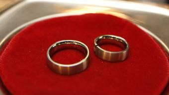 Die Bürgergemeinde und die Einwohnergemeinde denken über eine Heirat nach. (Symbolbild)