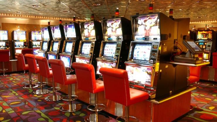Mann Gewinnt Im Online Casino