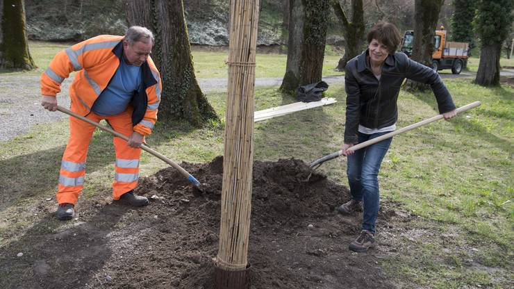 Stadtpräsidentin Jolanda Urech mit Stadtbauamt-Mitarbeiter Roland Hauenstein.