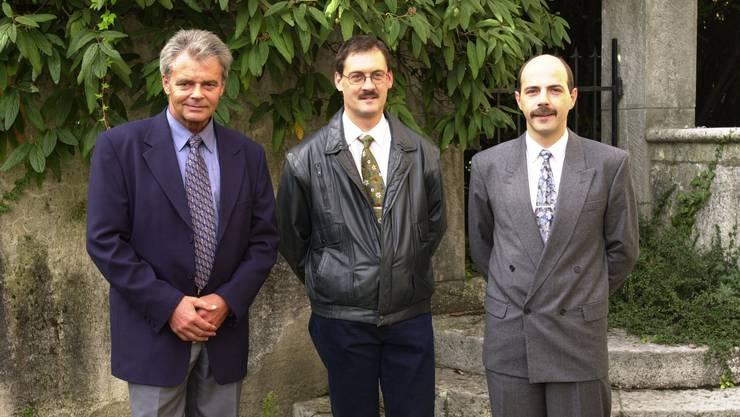 Peter Fedeli (Mitte) im Jahr 2000 als neuer Chef Sicherheit und Verkehr mit Kommandant Hans Frei und Chef Markt und Innerer Dienst Fritz Jenzer.