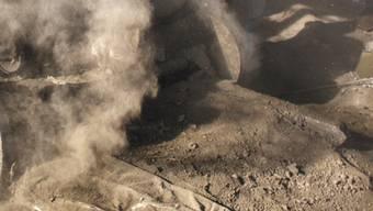 Bilder von den Verunreinigungen gibt es nicht. Der Zementstaub dürfte aber ähnlich wie in dieser nepalesischen Zementfabrik aufgewirbelt worden sein. (Symbolbild)