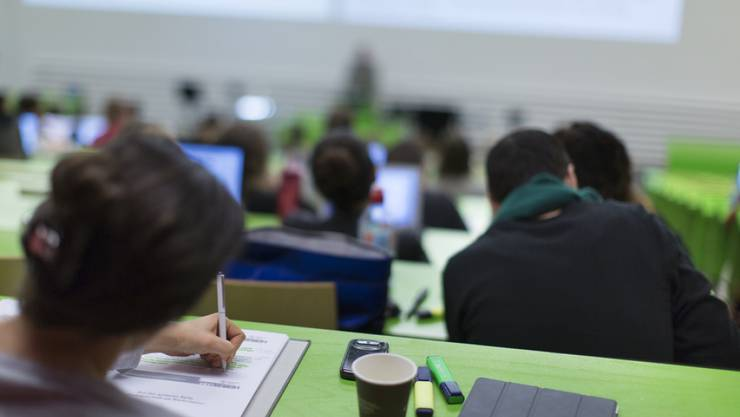 Das Parlament bewilligt für die ETH, die kantonalen Universitäten und die Fachhochschulen etwas mehr Geld als der Bundesrat beantragt hat. (Symbolbild)