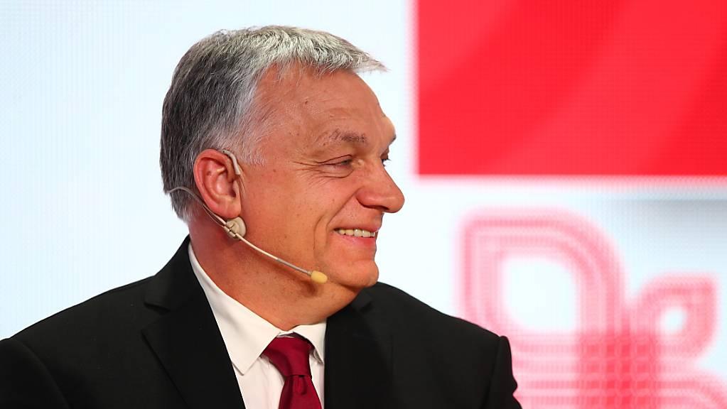 Ungarns Präsident Viktor Orban zieht seine 12 Fidesz-Europaabgeordneten aus der EVP-Fraktion ab. Er kommt damit einer Suspendierung seiner Regierungspartei zuvor. (Archivbild)