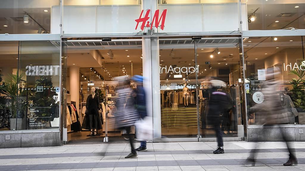 H&M erzielt wieder Gewinn - Corona-Belastungen schwinden zunehmend