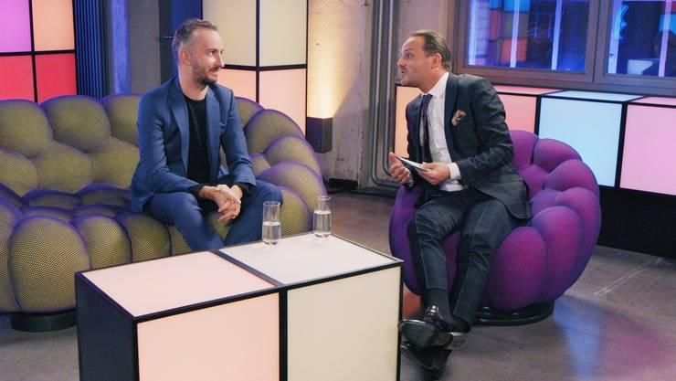 Satiriker-Kollegen unter sich: Jan Böhmermann und Dominic Deville im neuen Studio des Sihlcity.