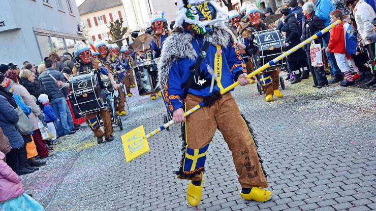 Unverwüstlich Der tanzende Guggemajor der Ikea-vermöbelten Lady-Killers