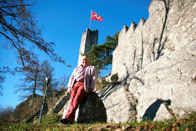 Pierre Mollet setzt sich für einen Wiederaufbau der Schlossruine Stein ein.