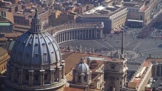 Unternehmenn der Kirche müssen dem italienischen Staat nun mehr Steuern entrichten (Archiv)