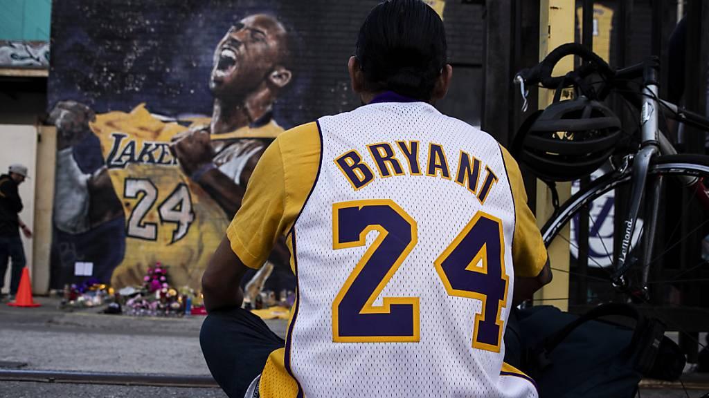 Von Kobe Bryant benutztes Handtuch für 33'000 Dollar versteigert
