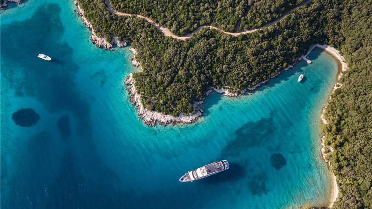 Mit der «Excellence Adria» sollen auch Badestopps wie hier in einer Bucht vor der kroatischen Insel Rab möglich sein.