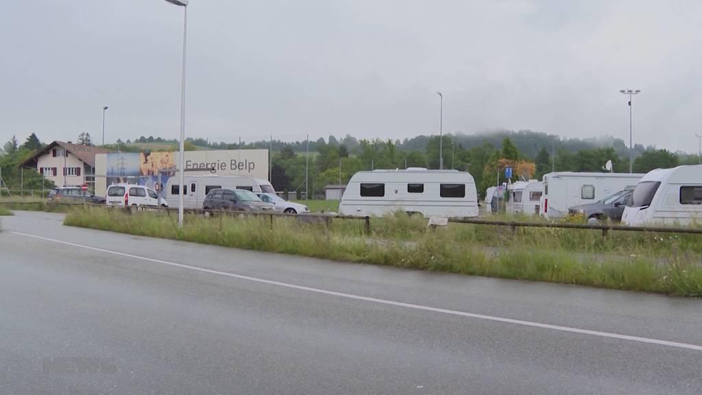 Fahrende in Belp reizen Frist aus: Trotz fälliger Abreise verharren sie im Giessenbad