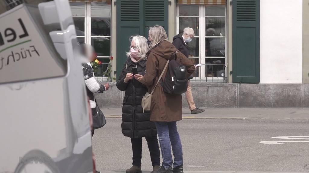 Was wollen die Behörden dagegen tun? Aggressive Bettler rücken den Berner:innen auf die Pelle