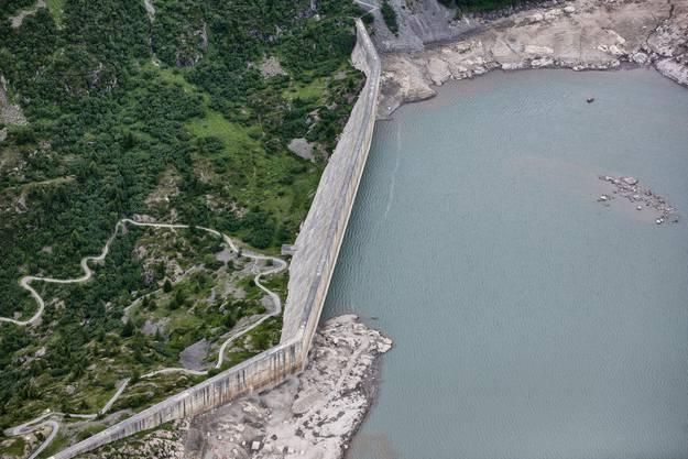 Das Wasser im Lac de Salanfe nahe Evionnaz stammt aus den Einzugsgebieten von Salanfe und Saufla.