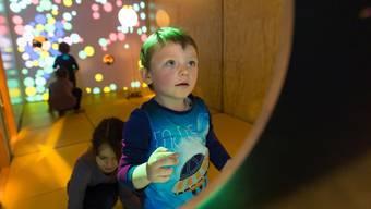 Kinder an der Ausstellung «Die Entdeckung der Welt» in Bellinzona.